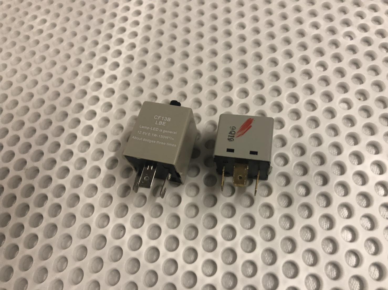 超簡単!!スズキ DA16T キャリィをカスタム 小ネタ集 バックランプ交換 ドアスピーカー設置 LEDハイフラ防止リレー